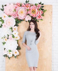 Kinda dying over this photo! This wall installment for was so insane but so fun to make! Sometimes when you put your head… Wall Backdrops, Floral Backdrop, Paper Flower Backdrop, How To Make Paper Flowers, Tissue Paper Flowers, Giant Paper Flowers, Big Flowers, Flower Decorations, Wedding Decorations