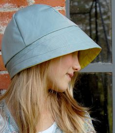 Resultado de imagem para slouch hat from 2 recycled t-shirts Hat Patterns To Sew, Clothing Patterns, Sombreros Cloche, Rain Hat, Bonnet Hat, Recycled T Shirts, Cloche Hat, Caps Hats, Lady
