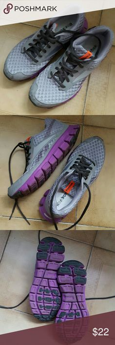 comfortable reebok tennis shoes for women