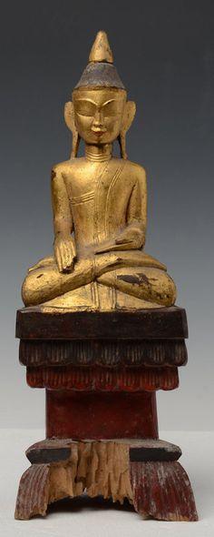 Rare 18thC Tai Lue Burmese wooden buddha sitting in Mara Vijaya.