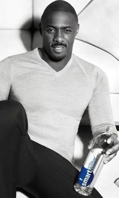 Idris Alba has mad swag. Idris Elba, Gorgeous Black Men, Beautiful Men, Actor Idris, Fine Men, Well Dressed Men, Good Looking Men, Man Crush, Gq