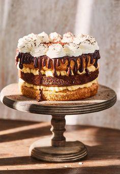 Ez a 7 legdögösebb tortánk Hungarian Cake, Hungarian Recipes, Hungarian Food, Sage Spice, Czech Desserts, Confectionery, Cake Cookies, Fudge, Food Porn