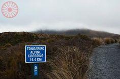 O marco de km 0 da trilha do Tongariro Alpine Crossing