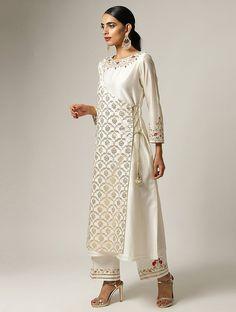 Silk Kurti Designs, Kurta Designs Women, Kurti Designs Party Wear, Frock Fashion, Fashion Dresses, Silk Kurtas, Angrakha Style, Kurti Embroidery Design, Dress Neck Designs