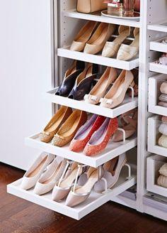 Zapatero en el armario