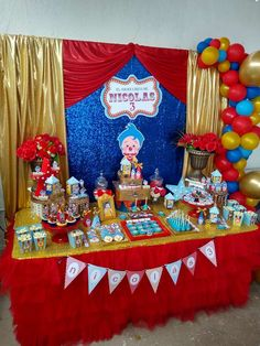 Plim plim circus | CatchMyParty.com Baby Boy 1st Birthday Party, 1st Birthday Themes, Carnival Birthday Parties, Minnie Birthday, Circus Birthday, Circus Party, Birthday Decorations, Circus 1st Birthdays, First Birthdays