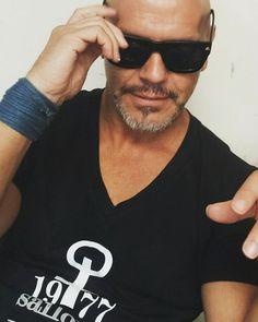 SELLO DE IDENTIDAD Cultura de Camiseta... #FASHION #MODA #SellodeIdentidad #CulturadeCamiseta #Moda