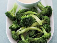 Broccoli and cheddar cheese are a common match (think of broccoli-cheddar soup), and here they come together as a dipping duo. The cheese sauce is thick and creamy and a fun way to dress up vegetables. Broccoli Dishes, Veggie Side Dishes, Broccoli Cheddar, Broccoli Recipes, Vegetable Sides, Side Dish Recipes, Cheddar Cheese, Wine Recipes, Healthy Vegetable Recipes