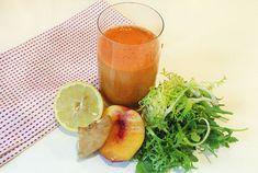 Summer Greens & Peach 1 peach 1/2 lemon 1-inch/2.5 cm piece of ginger 5 – 6 carrots 1 handful of arugula (rocket) 1 handful of frisee