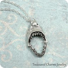 SHARK JAWS Pendant Necklace Movable Jaw Surfer Surf Black Cord Silver Tone