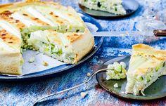 Hartige taart met witte asperges