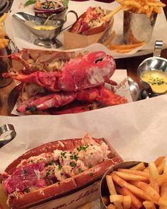 When life gives you lemons order the lobster tail - -  Burger & Lobster London  - -  #engezni #elmenus #lobster #lobsterroll  #fries #sandwich #yummy #delicious #food #goodeats #londonfoodies #photooftheday #foodoftheday #breakfast #lunch #dinner #thehangrysix #eeeeats  #eatingfortheinsta  #nomnomnom #london #burgerandlobster