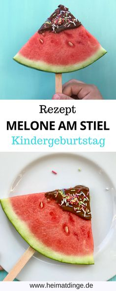 Quick party snack: melon on a stick as a refreshment for the summer - DIY Kindergeburtstag I Kinderparty Ideen - Lillian Kind Snacks, Easy Snacks, Yummy Snacks, Snack Recipes, Melon Recipes, Summer Recipes, Kids Party Snacks, Oven Vegetables, Pretty Cakes