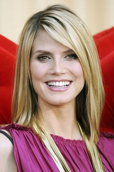 Exquisite Women hairstyles edgy medium lengths,Romantic messy hairstyles and Women hairstyles with bangs popular haircuts. Wedge Hairstyles, Hairstyles With Bangs, Straight Hairstyles, Cool Hairstyles, Medium Hairstyles, Bouffant Hairstyles, Beehive Hairstyle, Ladies Hairstyles, Updos Hairstyle