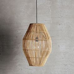 Rattan lamp shade for the dining table, or as beautiful lamp in the corner of the room. The lampshade works well both alone and with other lampshades. Anglepoise Lamp, Vintage Lighting, Handmade Lamps, Caged Lamp, Rattan Lamp, Lights, Pendant Light, Anglepoise, Industrial Retro Lighting