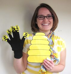 FLANNEL RHYME: Here is a Beehive - with template Make gloves to use for songs