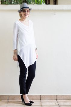 A simple black and white outfit | 40plusstyle.com