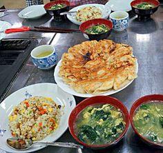 25,10,4槨榮先生に、教わりました。 - 45件のもぐもぐ - 世界の料理教室~中国 チャーハン、焼き餃子,スープ 餃子はもちろん皮から作りました。 by ☆*☆NORIKO☆*☆