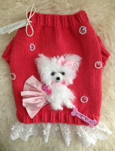 My handmade Character Portrait Sweater of beautiful Snow the Pomeranian ❤️
