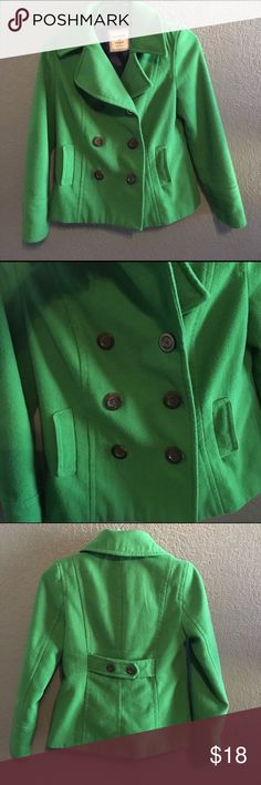 Green Double-Breasted Pea Coat Double-breasted peacoat from Old Navy. Very warm and comfy for winter. Made of 62% polyester, 38% wool. Can be buttoned on either side. A few of the buttons have loose threading (6th pic) but not noticeable. A little pilling, but otherwise in good condition. No trades. No holds. Serious inquiries only. Old Navy Jackets & Coats Pea Coats