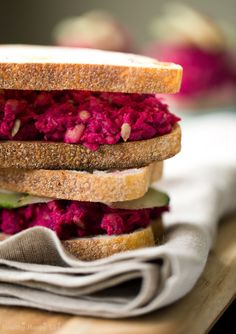Pink Chickpea Smash Salad with beets and chickpeas! #vegan #lunch