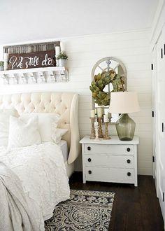 Rustic farmhouse style master bedroom ideas (39)