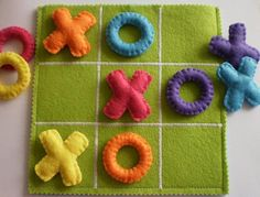 This felt TIC TAC TOE game set is the perfect gift for children! This colorful TIC TAC TOE game set is all handmade with wool felt, embriodery Kids Crafts, Craft Projects, Sewing Projects, Arts And Crafts, Fabric Crafts, Sewing Crafts, Kids Birthday Presents, Birthday Kids, Tic Tac Toe Game