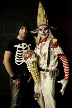 Matt Valentine and Burtonesque Ice Cream Man from Season 2 of SyFy's Face Off. In my opinion the best of that episode and season. Perfectly executed too. Fete Halloween, Halloween Make Up, Halloween Face, Halloween Ideas, Halloween Tutorial, Movie Makeup, Makeup Art, Sfx Makeup, Fairy Makeup