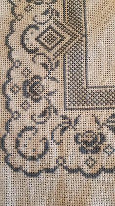 Cross Stitch Boarders, Cross Stitch Art, Cross Stitch Designs, Cross Stitching, Cross Stitch Embroidery, Hand Embroidery, Cross Stitch Patterns, Ethnic Bag, Crochet