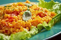 Fogyózol, figyelsz, mit és mennyit eszel? Akkor biztosan tudod az aranyszabályt: mindent lehet, csak köret nélkül. Ám valljuk be, szörnyen unalmas tud lenni a pörkölt csak uborkával, a grillezett csirkemell párolt zöldséggel. Mi is imádjuk a köreteket, ám a sült... Fried Rice, Risotto, Grains, Paleo, Vegan, Cooking, Ethnic Recipes, Food, Funny