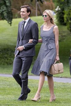 Accompanying her spouse Jared Kushner, Ivanka Trump wears a J. Crew gingham dress and nude sandals. Tie Dress, Belted Dress, Fashion 2017, Fashion Dresses, Womens Fashion, Ivanka Trump Style, Ivana Trump, First Lady Melania Trump, Gingham Dress