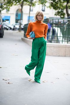Oversize Pullovers Were Everywhere On Day 3 of Paris Fashion Week | Fashionista