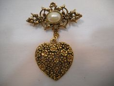 Gold Toned Filigree Heart & Faux Pearl Rhinestone Dangle Scarf Pin Brooch…