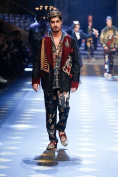 Discover Videos and Pictures from the Catwalk of Dolce&Gabbana Fall Winter 2017-18 Menswear Fashion Show on Dolcegabbana.com.