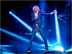 Ross Lynch Celebrates His 20th Birthday At The Venetian In Vegas With R5: Photo #910134. Ross Lynch shatters hair whip goal in this sharp shot from R5's opening night concert at The Venetian on Tuesday night (December 29) in Las Vegas.