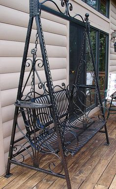 #silla #hierro Hand forged Handmade Victorian Ornate Wrought Iron Achitectural Garden Porch Swing. $395.00, via Etsy.