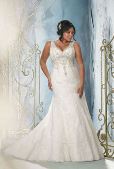 The most gorgeous wedding dress for plus size bride, from dramatic ball gowns, casual short dresses to sexy mermaid gowns. Look at the ideas below to find the plus size wedding dress of your dream! Mori Lee Wedding Dress, Wedding Dress Styles, Dream Wedding Dresses, Wedding Attire, Bridal Dresses, Bridesmaid Dresses, Prom Dresses, Dresses 2014, Cheap Dresses
