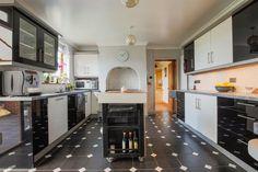 School Road, Beetley, Dereham - 6 bedroom detached house - William H Brown