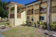 This updated and renovated 2 bedroom 2 bath condo is attractive and extremely well maintained with love and care. This waterfront community with a private dock and boat launch is 10 minutes to Manasota Key Beach by car and less than 20 minutes to Stump Pass en route to the Gulf of Mexico by boat. The home is located in the wonderful community of Water's Edge which is well positioned geographically to the best dining, shopping and amenities around. The home has been tastefully remodeled w…