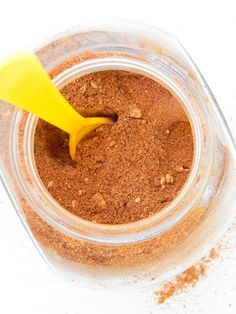 how to make healthy #pumpkin pie spice which is perfect for #halloween treats!