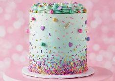 3 ingredient mug cake Pretty Cakes, Cute Cakes, Beautiful Cakes, Amazing Cakes, Berry Cupcakes, Cute Birthday Cakes, Colorful Birthday Cake, Fancy Sprinkles, Bolo Cake
