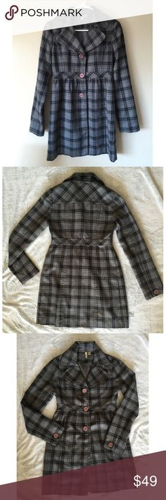| new | Susina Plaid Pea Coat Gorgeousss plaid pea coat. Beautiful neutral black and grey will go with anything. An essential classic piece to add to your wardrobe!   ✔️If you'd like to MAKE AN OFFER please do so through the offer button ONLY. I won't negotiate prices in the comments.  ✔️All items $15 and under are firm unless BUNDLED.  ❌No trades, PayPal, Holds 📷Instagram: @lovelionessie Susina  Jackets & Coats Pea Coats