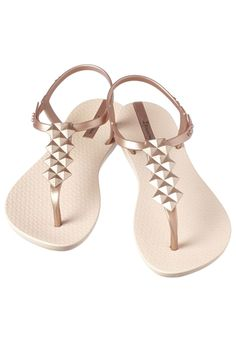 Cleo t-strap sandals feature cushioned foot-beds for supple comfort. Ipanema Sandals, Rubber Sandals, Best Honeymoon, Vacation Style, T Strap Sandals, Daily Fashion, Spring Summer Fashion, Baby Shoes, Summer Outfits