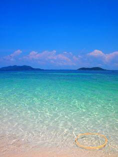 I miss beach. I miss clear sea water. This is at Rawa Island, Johore, Malaysia. :)