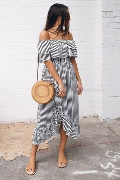 Summer Dresses to Shop Now – Summer Outfits – Summer Fashion Tips Lookbook Mode, Fashion Lookbook, Chic Outfits, Summer Outfits, Fashion Outfits, Style Fashion, Womens Fashion, Feminine Fashion, Fashion Trends