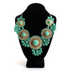 So pretty! Such a stylish necklace.