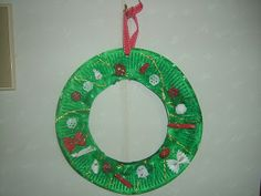 Preschool Crafts for Kids*: wreath