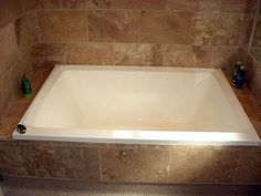 Extra deep soaking tub for two