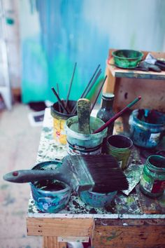 What is Your Painting Style? How do you find your own painting style? What is your painting style? Artist Life, Artist At Work, Mythos Academy, Painter Photography, Painters Studio, Artist Aesthetic, Atelier D Art, Art Studios, Belle Photo