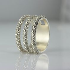 This new collection combines three rows of flowers in one wide and delicate ring. My flower rings bring my creative work together with nature and with the finest springtime in full bloom. White Gold Wedding Rings, Wedding Rings For Women, Wedding Bands, Wedding Gold, Gold Ring, Delicate Rings, Unique Rings, Jewelry For Her, Women Jewelry